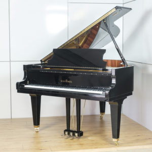 Schimmel 174T Polished Black