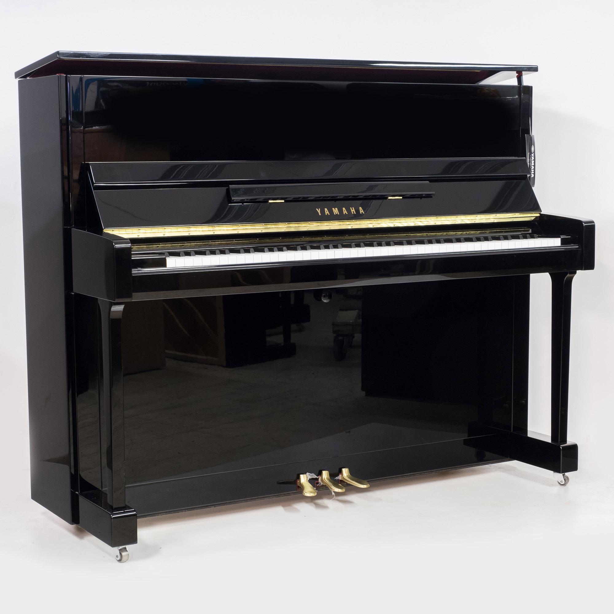 Used Yamaha B3E Upright Piano – c2014