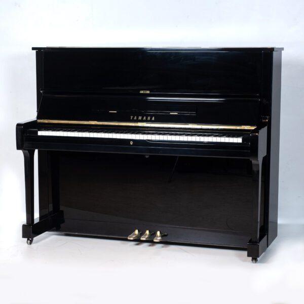 polished black yamaha u1 upright piano whole piano